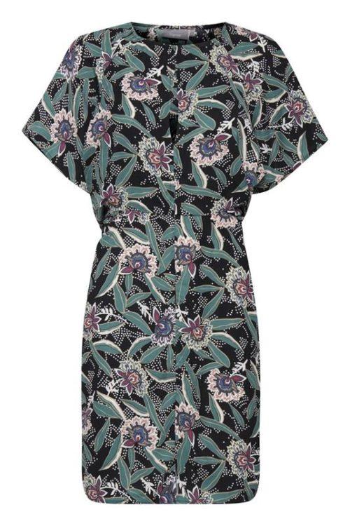 sukienka z motylkowym rękawem we wzory