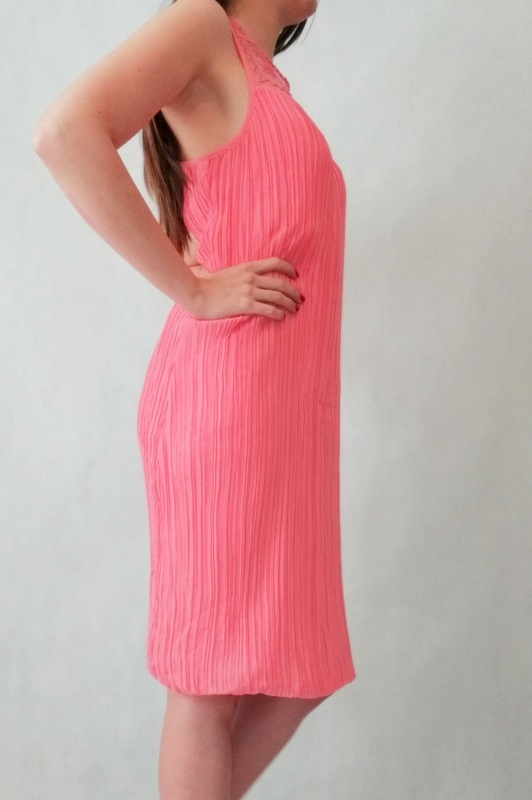 sukienka na ramiączkach różowa plisowana