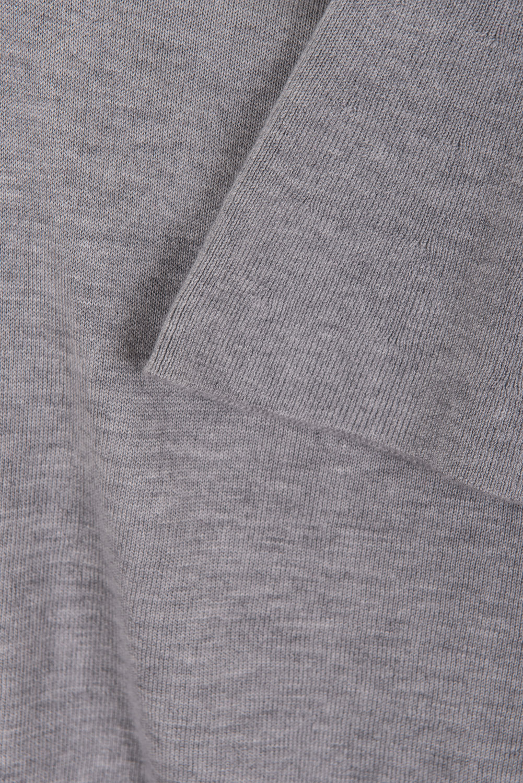 sweter szary z szerokim rękawem
