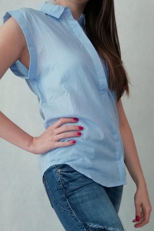 koszula bez rękawka niebieska na guziki