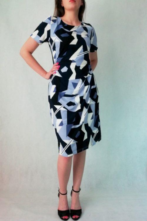 sukienka z rękawkiem w niebiesko czarne geometryczne wzory
