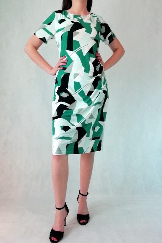sukienka midi z rękawem w zielono czarne wzory