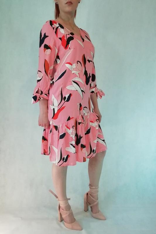 sukienka mini różowa w kwiaty