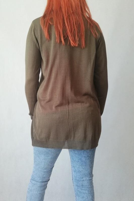 kardigan swetr koloru khaki z kieszeniami