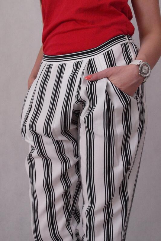 spodnie materiałowe w czarne paski