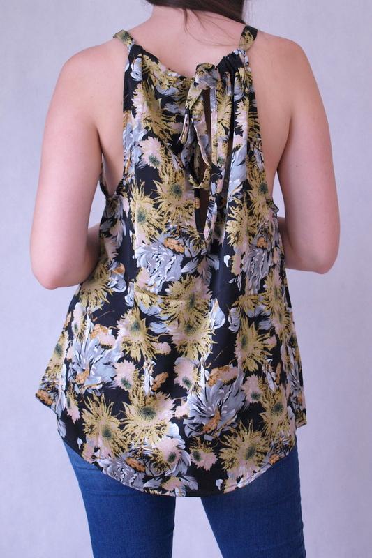 bluzka na ramiączkach w kwiaty