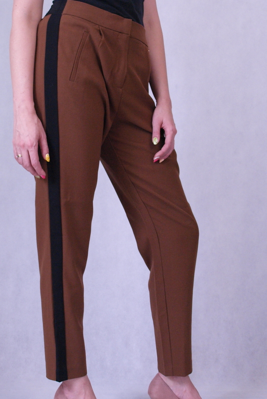 spodnie brązowe materiałowe z lampasami