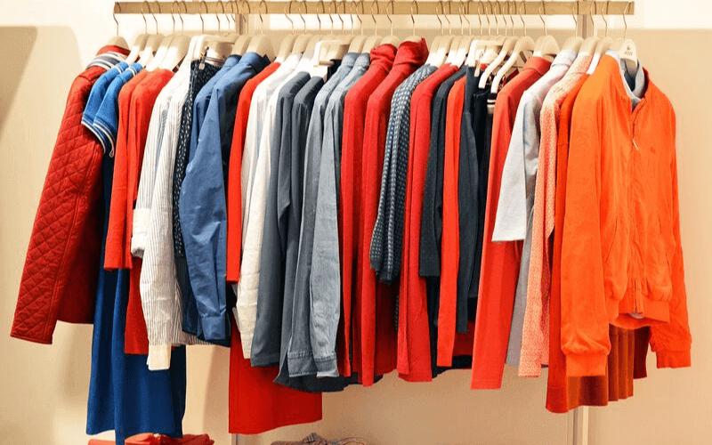 wymiana odzieży na jesienną