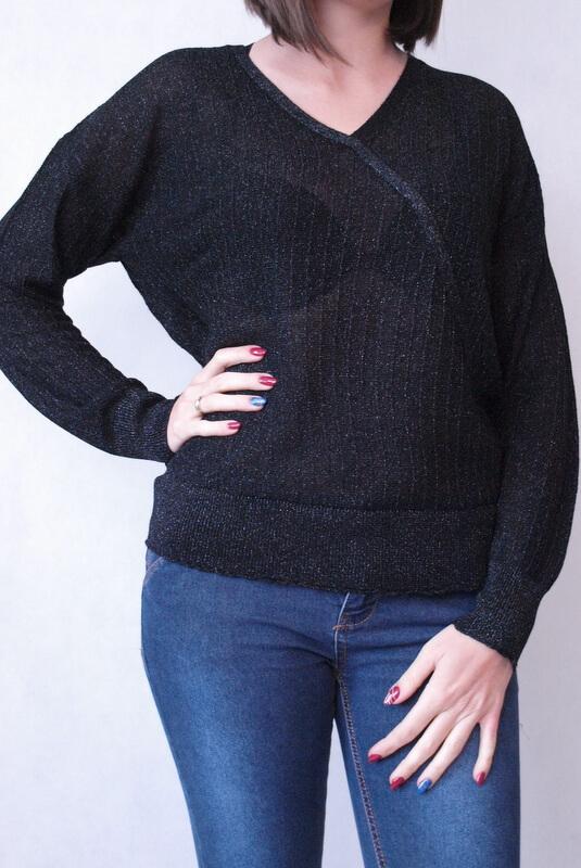 sweter czarny błyszczący